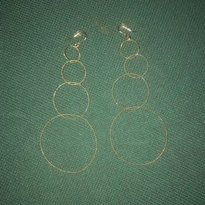 Jewelry - Sparkly Gold Hoop Earrings